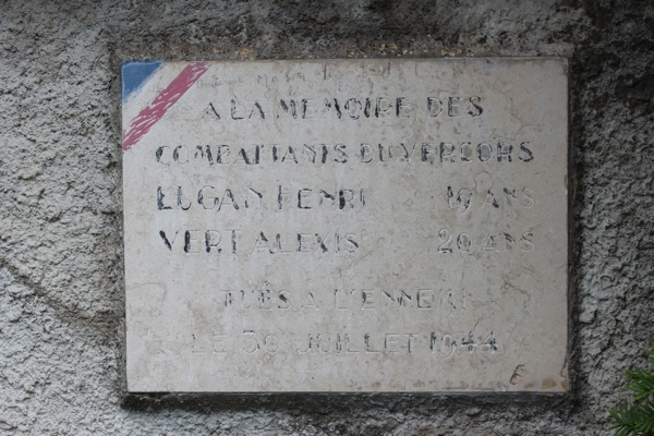 Plaque à la mémoire des combattants du Vercors lors de la Seconde Guerre